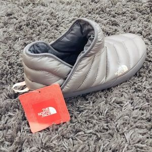 9b598d644 NWT The North Face Thermoball Traction Bootie NWT
